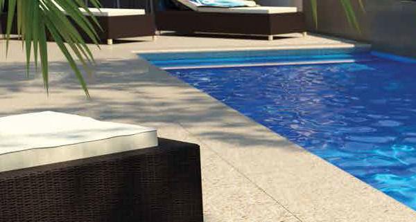 Concrete pool surrounds thundercrete for Swimming pool surrounds design